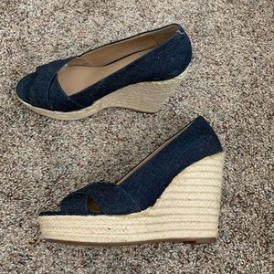 Vince Camuto Taryn wedges, size 10